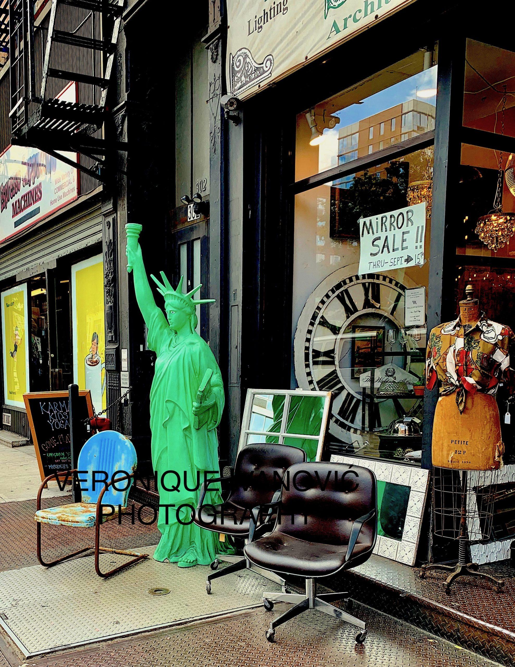 ON MY URBAN WALK USA NYC NY